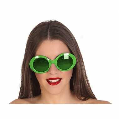 Carnavalskleding groene ronde verkleed zonnebril arnhem