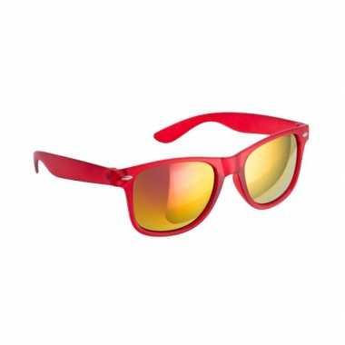Carnavalskleding hippe zonnebril rood spiegelglazen arnhem