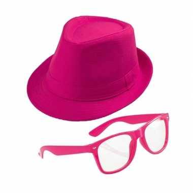 Carnavalskleding roze verkleedset trilby hoed zonnebril arnhem