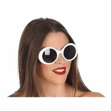 Carnavalskleding witte ronde verkleed zonnebril arnhem