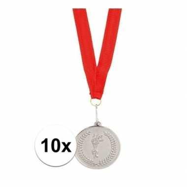 Carnavalskleding x zilveren medailles tweede prijs aan rood lint arnh