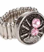 Carnavalskleding zilveren ring roze spin chunk arnhem